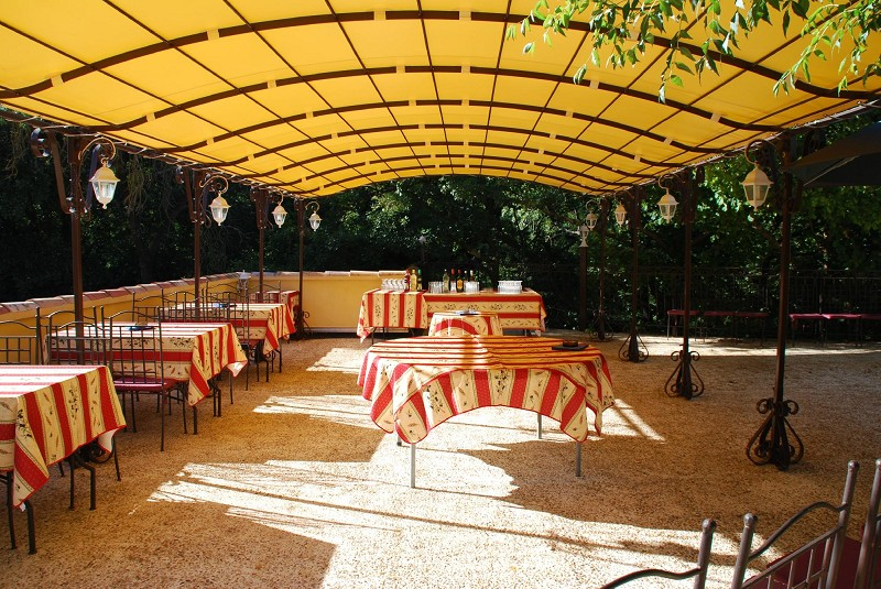 Restaurant - 4500 m² - SOLLIES TOUCAS